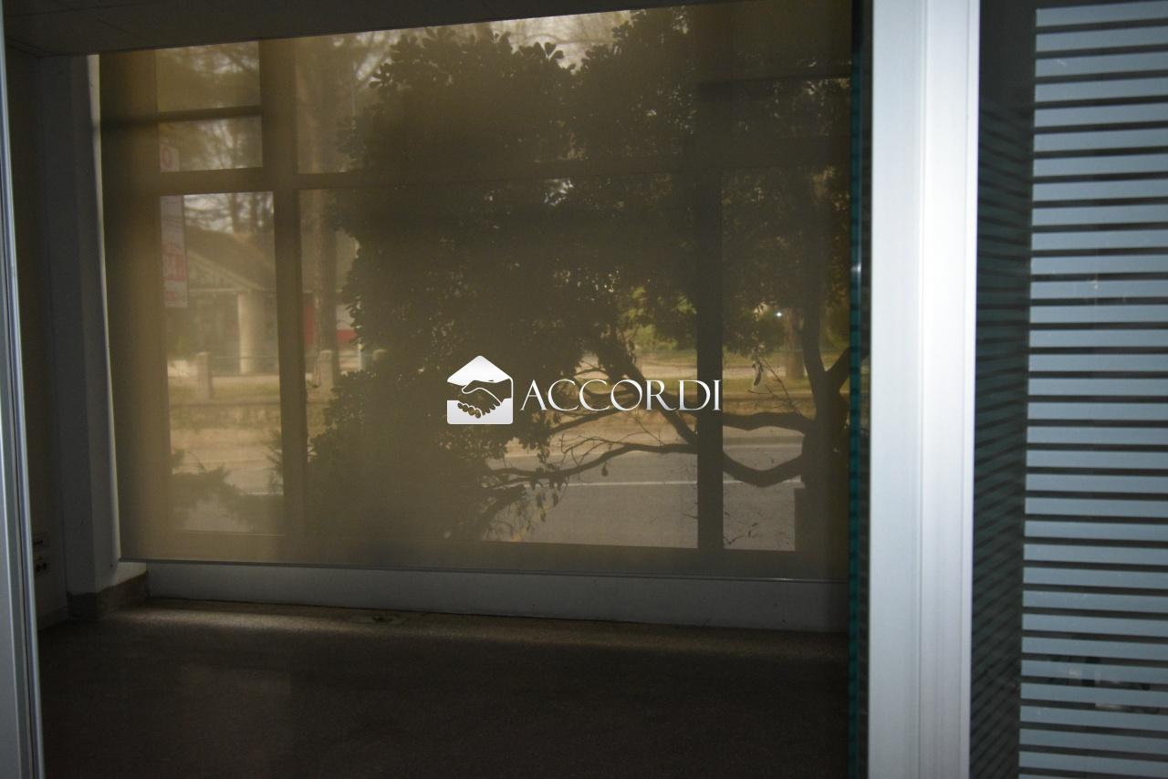 cerca Conegliano  Centro LOCALE COMMERCIALE VENDITA