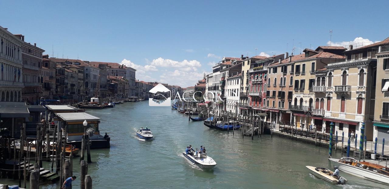 cerca Venezia  San Polo ATTIVITA'/LIC.COMMERCIALE VENDITA